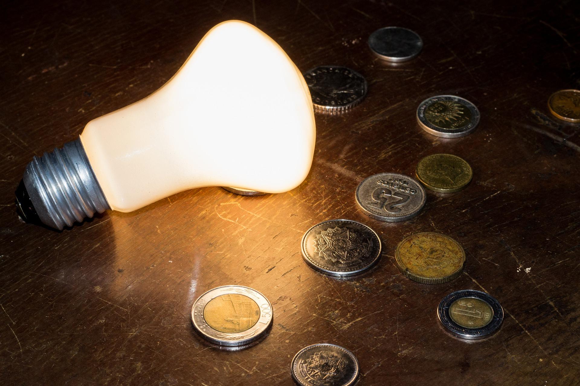 Cena elektřiny – víte, z jakých částí se skládá?