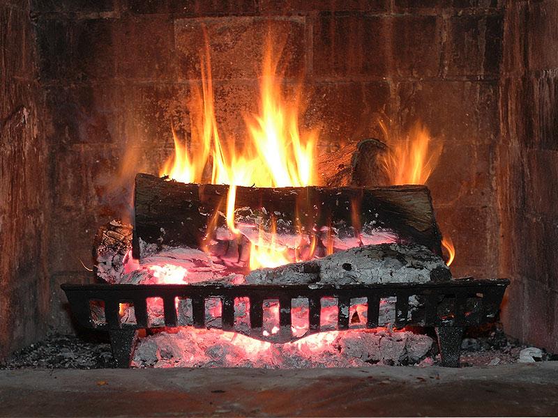 Nejlevnější vytápění – elektřina, plyn, či pevná paliva?