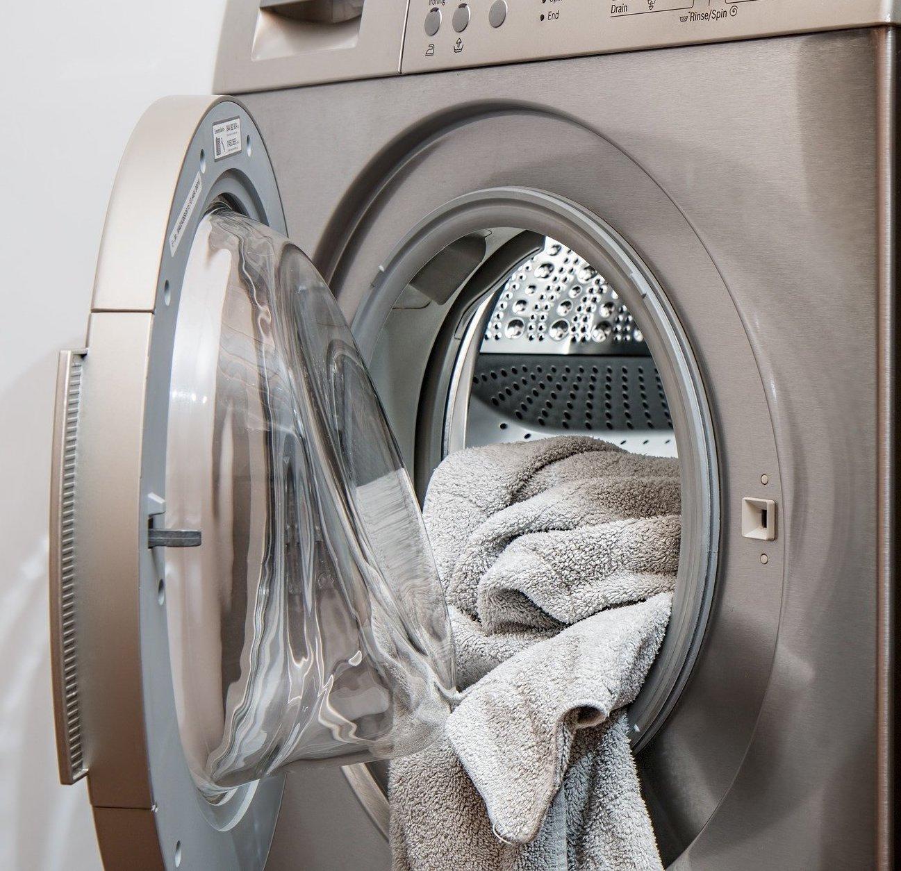 Na mrazu, či na topení – jak na sušení prádla v zimě?